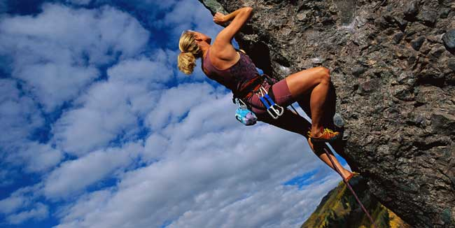 Fun-summer-activities-Rockclimbing